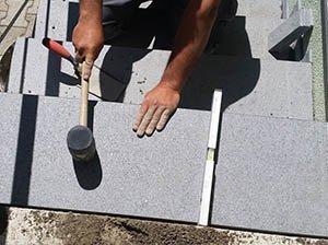 polaganje granitnih stopnic